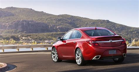 Buick Regal All Wheel Drive by 2014 Buick Regal Debuts With All Wheel Drive In New York