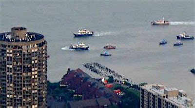 Boat Crash Edgewater by Small Plane Crashes In Hudson River Edgewater Nj