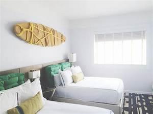 deco chambre enfant avec planche de surf 50 inspirations With tapis champ de fleurs avec grand canapé lit