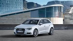 Audi A 3 Sport : refreshed 2017 audi a3 sportback e tron arrives with more tech panoramic roof standard ~ Gottalentnigeria.com Avis de Voitures