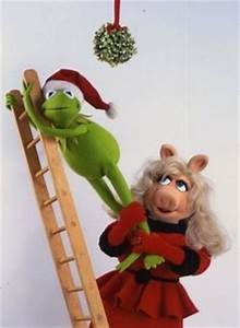 Kermit and Miss Piggy Under the Mistletoe