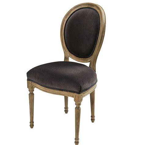 chaise médaillon maison du monde chaise médaillon en velours anthracite et chêne massif louis maisons du monde