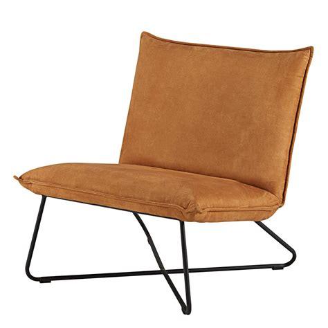 style de chambre pour fille fauteuil en suédine cognac et métal noir lucas maisons