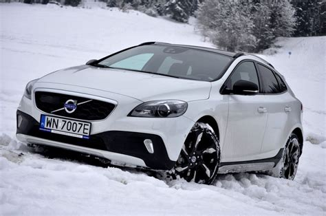 Gambar Mobil Volvo V40 Cross Country by Volvo V40 Cross Country 54 Prices Features Wallpapers