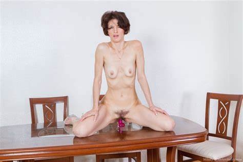 Love Those Natural Body And Her Hairy Shorthair Analed