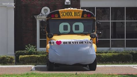 Texas school district puts huge surgical mask on a bus to