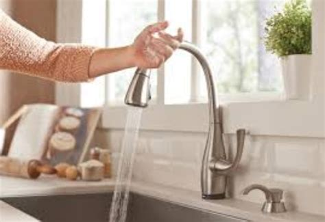 how do you replace a kitchen faucet how to replace kitchen faucet the easy way to install