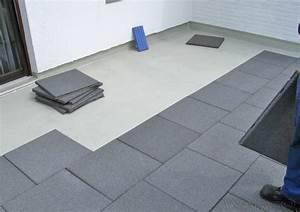 Platten Für Balkon : der balkonbelag aus gummigranulatplatten ist garantiert ~ Lizthompson.info Haus und Dekorationen