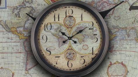 grosse horloge murale ancienne grande horloge murale mappemonde ancienne