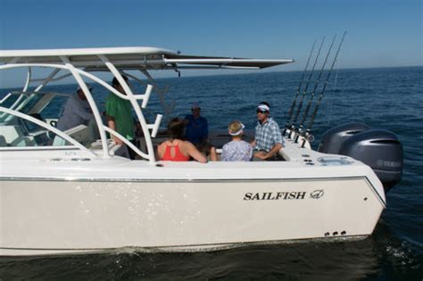 Freeboard Boat by Sailfish 325dc 2016 2016 Reviews Performance Compare
