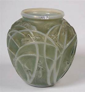 Grand Vase En Verre : grand vase sauterelles en verre opalescent vert moul au d ~ Teatrodelosmanantiales.com Idées de Décoration
