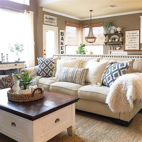 farmhouse living room best 25 family room decorating ideas on Colorful