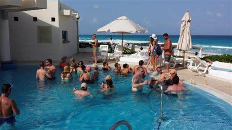 Swim up bar   Picture of Live Aqua Beach Resort Cancun, Cancun   TripAdvisor
