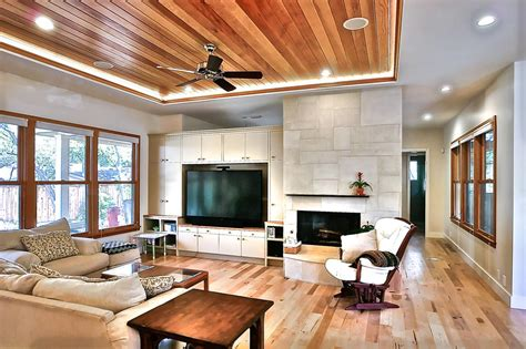 Tray Ceiling Ideas Living Room by Wood Tray Ceiling Is Center Of Attention Hgtv