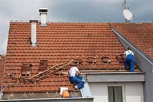 Dachpfannen Aus Kunststoff : dachziegel abdichten anleitung in 3 schritten ~ Michelbontemps.com Haus und Dekorationen