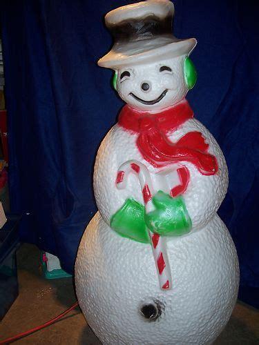 snowman yards  christmas lights  pinterest