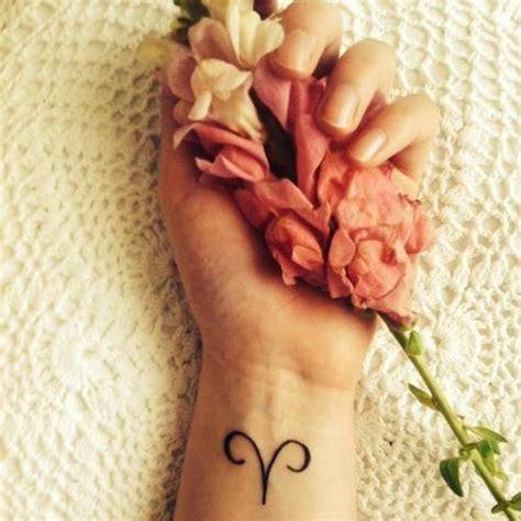 tatouage signe astrologique belier symbole quel tatouage