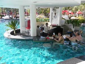 bar inside swimming poll bild von amari garden pattaya With katzennetz balkon mit amari garden pattaya