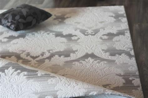 tapis salon baroque blanc gris clair acrylique fotos pas