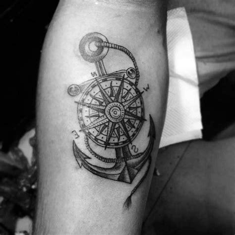 tattoos männer sprüche anker kompass kompass anker seil schulter mann zuhause dekor ideen tattoos zum