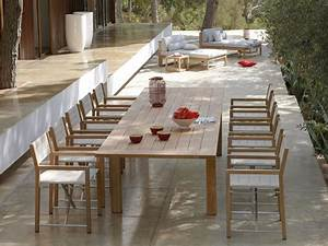 Sedia pieghevole in Batyline® CROSS Sedia da giardino in teak MANUTTI