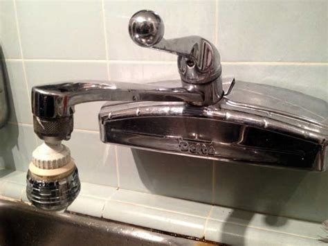 Wall Mounted Kitchen Faucet Leaking by Fix A Kitchen Faucet
