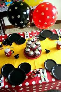 Nappe De Table Pas Cher : d corer la table avec un set de table jetable ~ Teatrodelosmanantiales.com Idées de Décoration