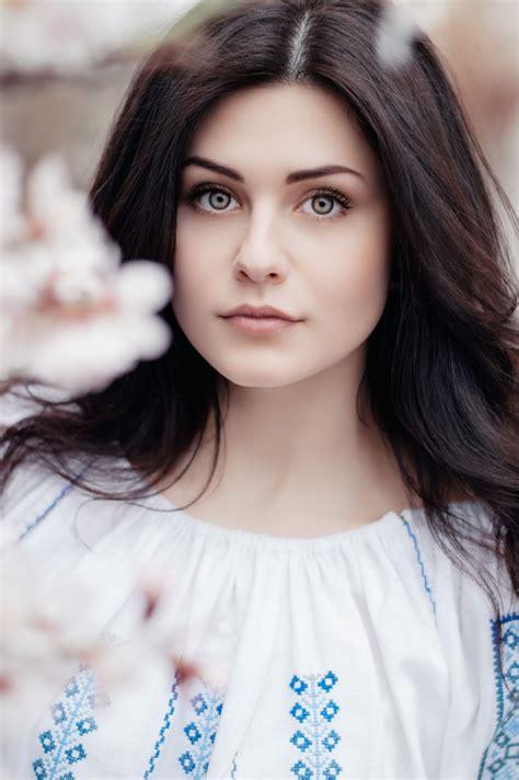 beautiful woman pictures   images  unsplash