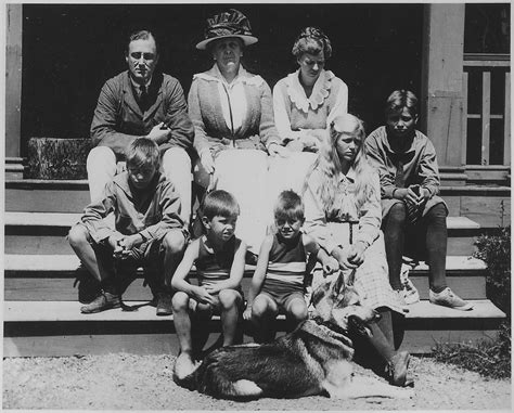 Filefranklin D Roosevelt And Family At Campobello Nara