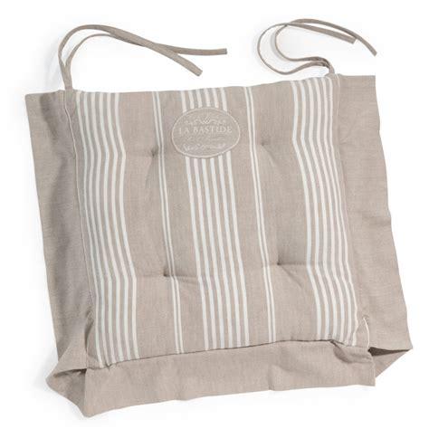 cuisines blanches design galette de chaise à rayures en coton beige la bastide