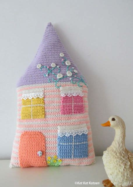 Kat Katoen Sweet Home Pillow Pictures Only Knit