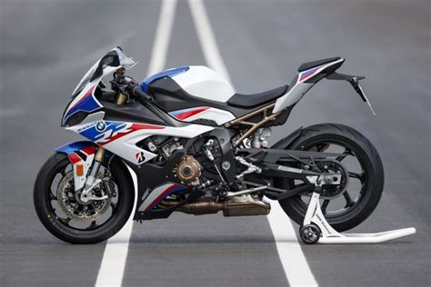 Bmw S1000rr 2020 by Ride 2020 Bmw S1000rr Canada Moto Guide