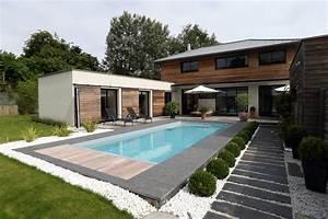 la piscine paysagee par l39esprit piscine 8 x 35 m With awesome mobilier de piscine design 8 nos realisations de jardin et amenagement dexterieur en