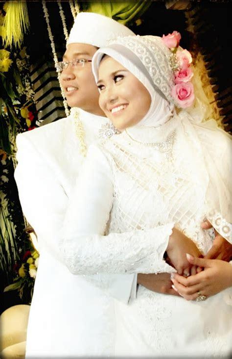 inspirasi model kebaya pengantin muslimah cantik modern