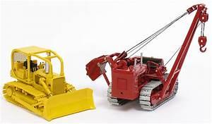 International 504 Utility Tractor
