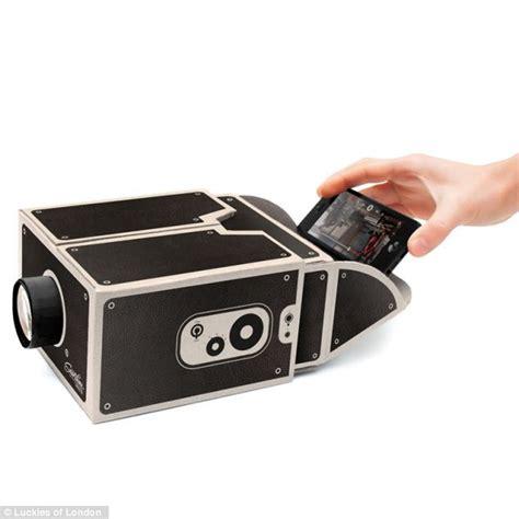 turn smartphone  cinema projector   cardboard