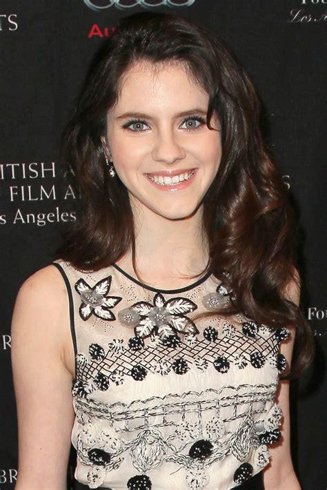 Kara Hayward Photos Photos - BAFTA Los Angeles 2013 Awards ...
