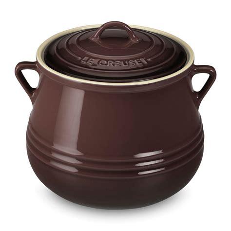 le creuset stoneware heritage bean pot  quart truffle cutlery