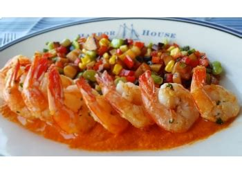 best seafood restaurants in milwaukee 3 best seafood restaurants in milwaukee wi threebestrated