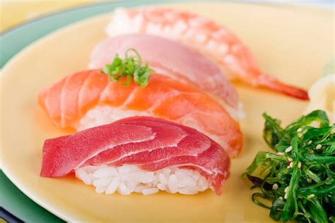 Diy Kitchen Decorating Ideas - choosing fish and seafood for sushi or sashimi