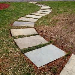 Laying Patio Pavers Instructions by 25 Best Ideas About Stepping Stone Walkways On Pinterest