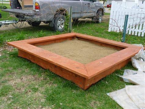 Sandkasten Im Garten by Sandkasten Selber Bauen Spielideen Und Lagerung L 246 Sungen