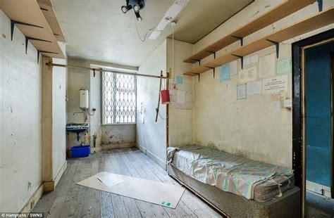 'uninhabitable' Onebedroom Flat In Kensington Sells For