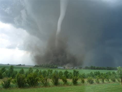 Tornado Clusters Becoming More Deadly And More Common