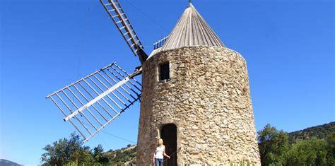 chambres d hotes grimaud moulin à vent de roch monument grimaud golfe de