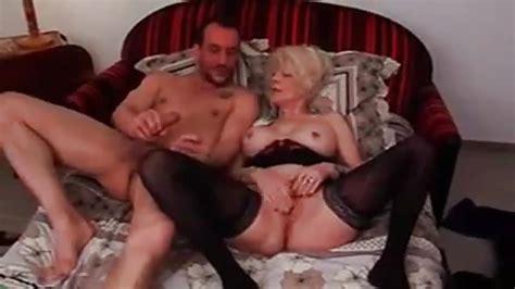 Duitse Oma In Kousen Geneukt Door Jonge Man Porn300com
