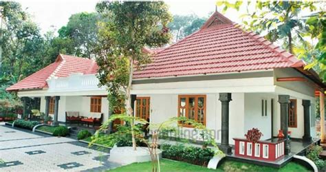 Kerala Traditional Style Home in Single Floor At 1500 Sq
