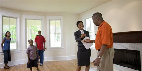 INFOGRAPHIC: Common Myths About the Home Buying Process ...