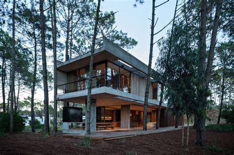 Moderne Häuser Im Wald by Argentinien Ein Betonhaus Im Wald Architektur Stadt