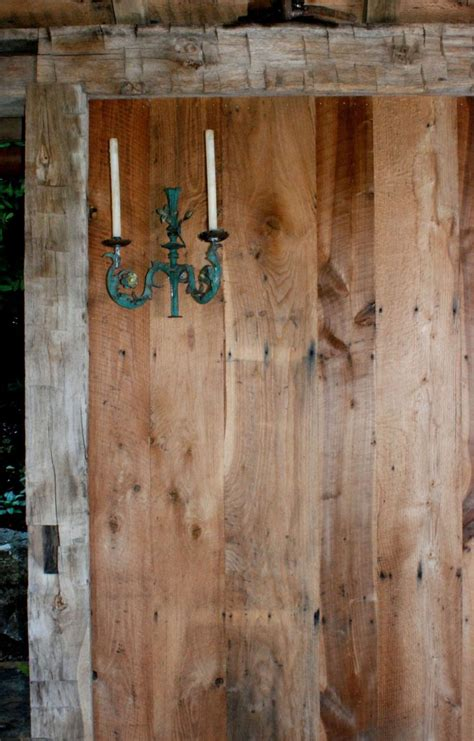 reclaimed acccent walls ceiling ideas  log lumber
